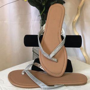 ❗️3/$15❗️ NWOB Charlotte Russe T Strap Sandal